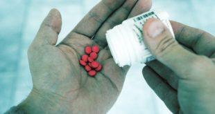 Apixaban och warfarin i biverkningstoppen